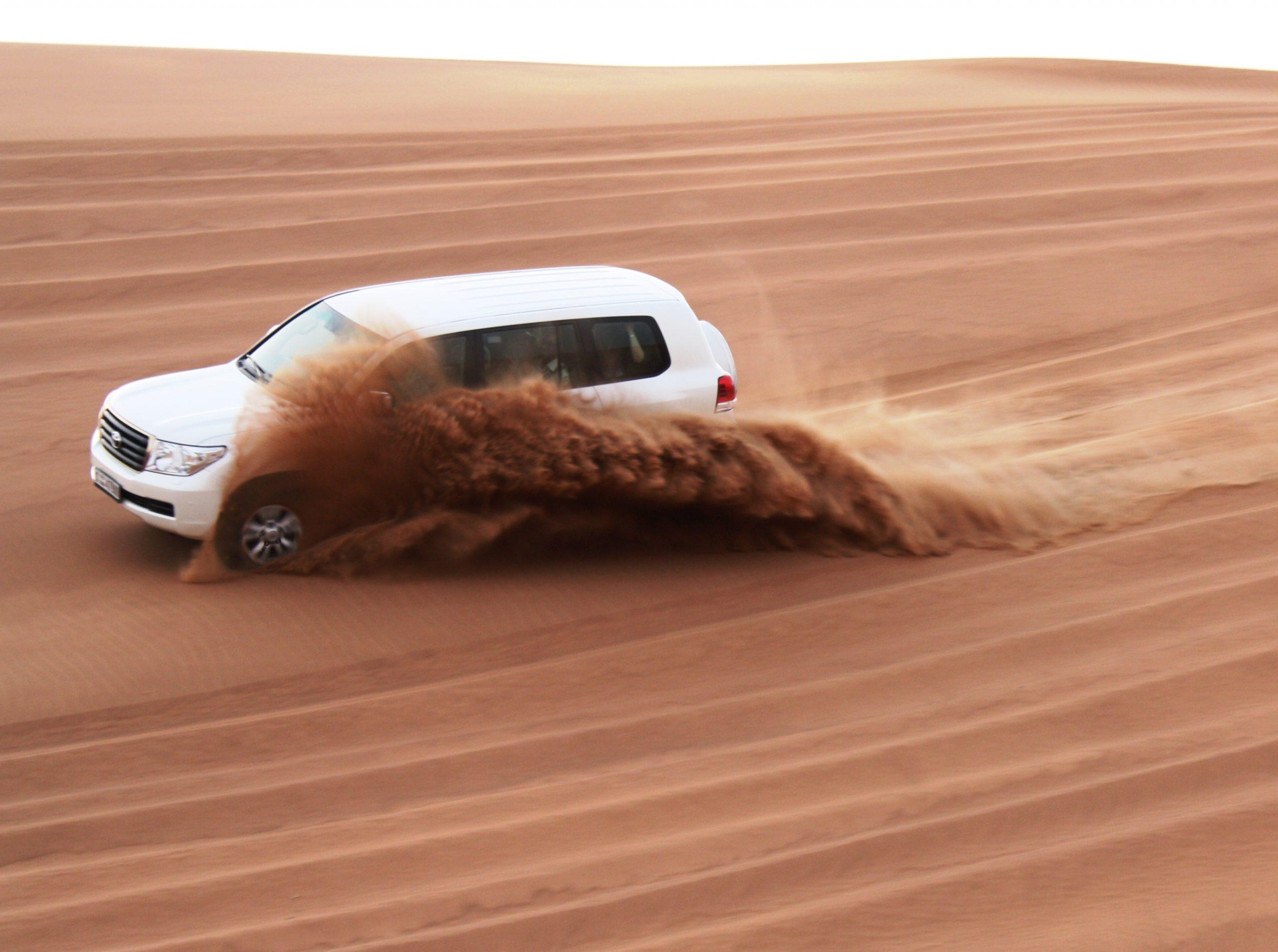 تور سافاری دبی – صافاری تور صحرا دبی با رقص و نوشیدنی و شام